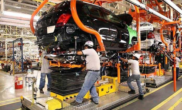 Sector automotor mexicano prevé rebote de 12 % en producción y ventas en 2021