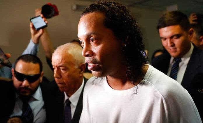 Emotivo mensaje de Ronaldinho tras la muerte de su madre