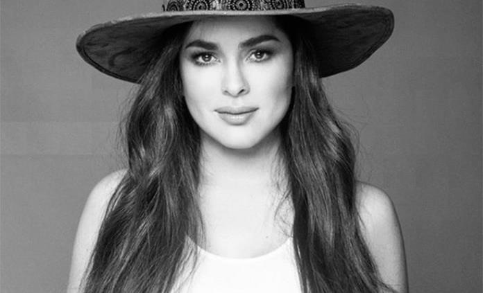 Actriz colombiana Danna García socorrida en ambulancia