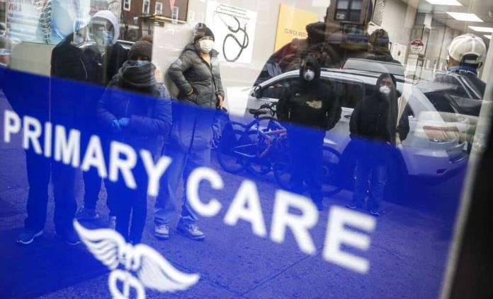 Nueva York supera los 30 mil casos de COVID-19 y alerta del agujero económico