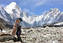Nepal reabre el Everest tras cuatro meses cerrado por la COVID-19