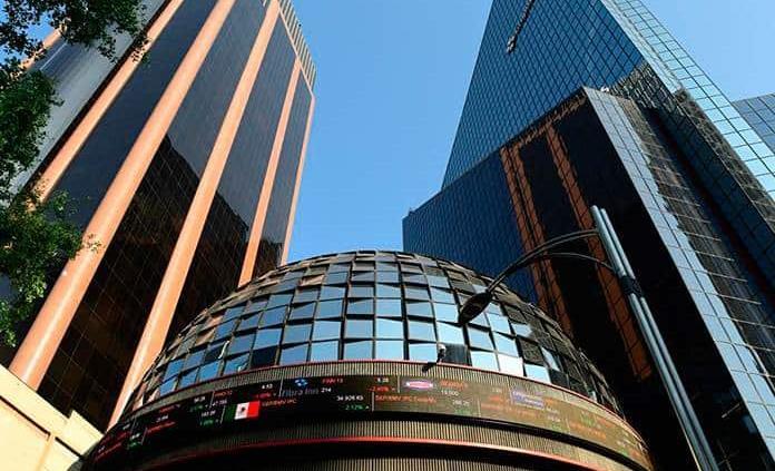Bolsa Mexicana cae 0.32 % tras una jornada y un mes de resultados mixtos