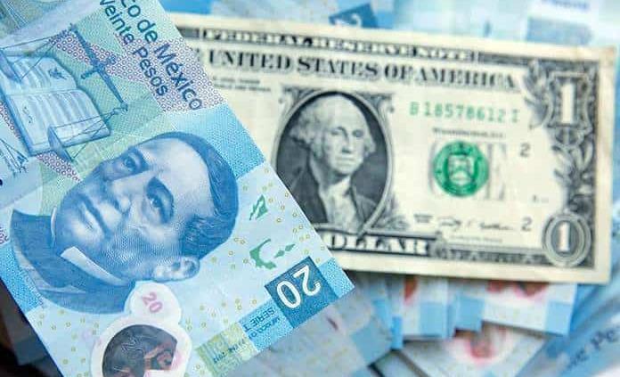 Peso cierra en 20.05 unidades por dólar