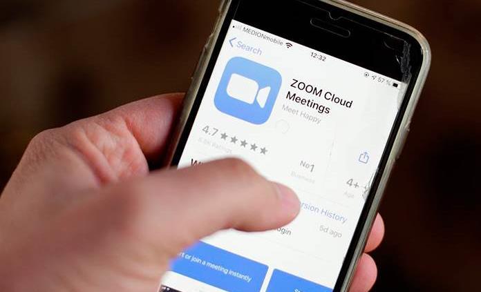Zoom amenaza el liderazgo de WhatsApp e Instagram cae entre los menores