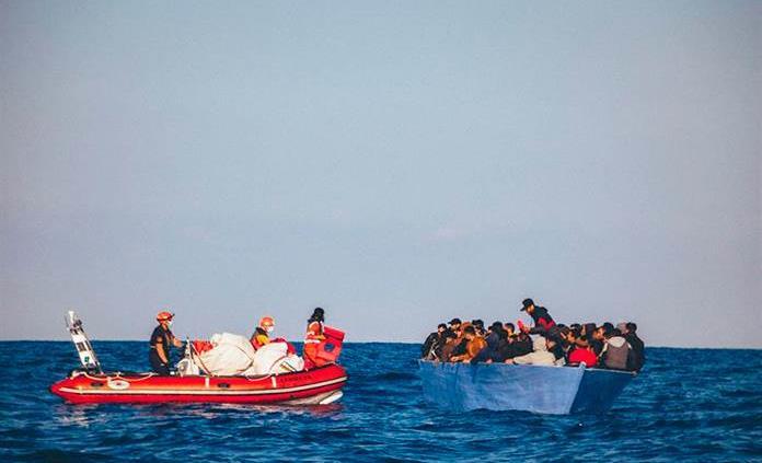 Rescatan a 139 inmigrantes cuando intentaban llegar a España por mar