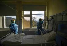 Paciente con covid mata a otro porque el ruido del respirador le molestaba en Grecia