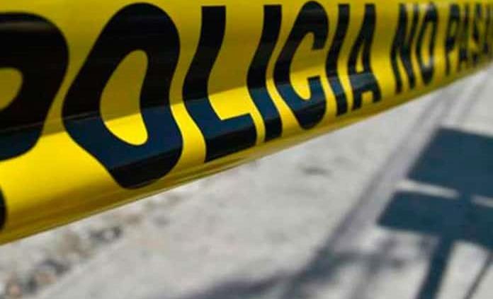 Abandonan un cadáver quemado a un costado de la carretera a Guadalajara