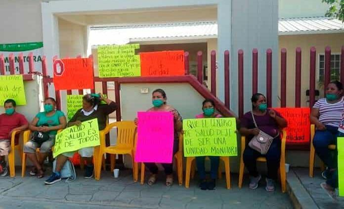 En Tanquián, bloquean acceso a contagiados