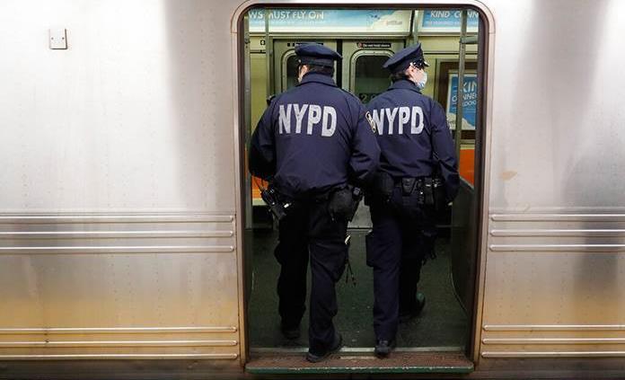 Nueva York cerrará su metro por las noches para desinfectar por COVID-19