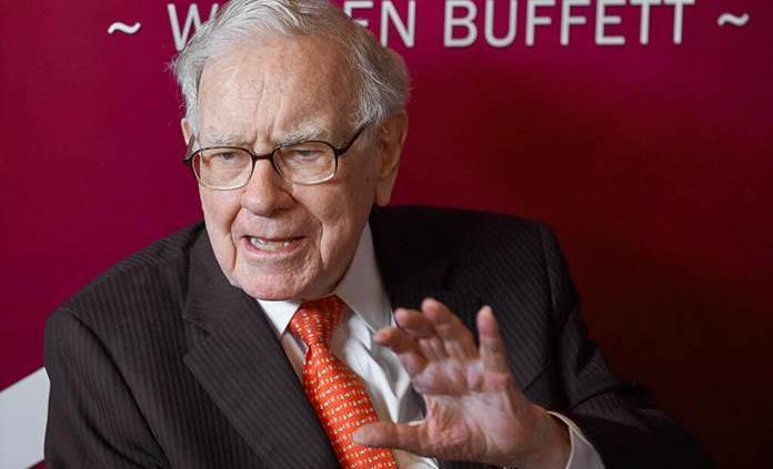 Warren Buffett confiesa haberse equivocado al invertir en aerolíneas