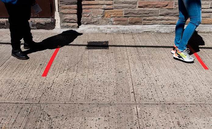 Los dos metros de distanciamiento físico son insuficientes si hace viento