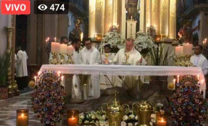 Encabeza arzobispo Misa Crismal, tras haberse suspendido en Semana Santa por el coronavirus
