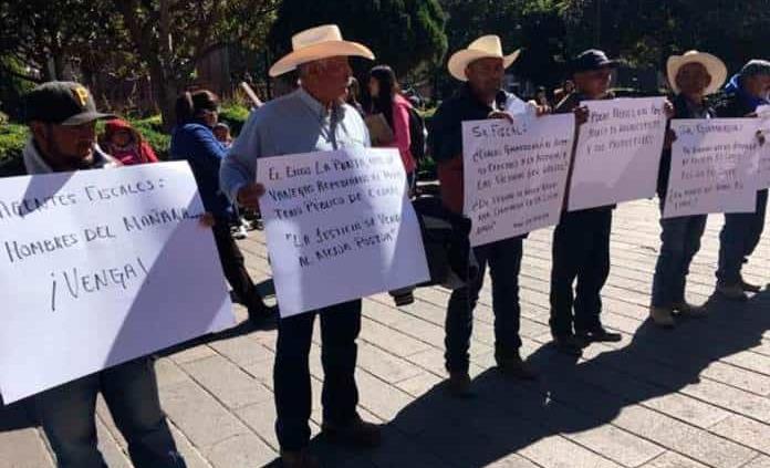 Denuncian campesinos despojo de tierras