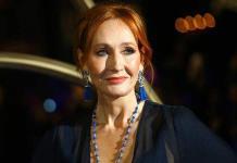 Publican en español Sangre turbia, novela negra de J.K. Rowling