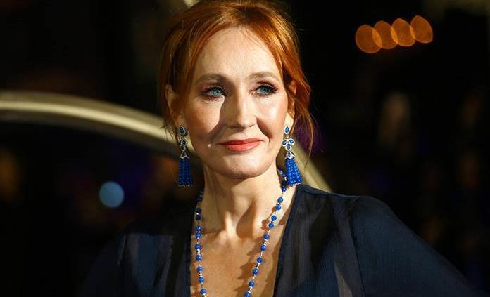 Tras polémica de J.K. Rowling, autores renuncian a agencia literaria