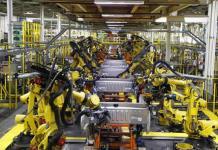 Lenta reactivación de las fábricas de automóviles en EEUU