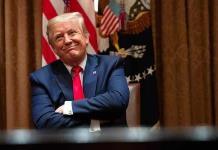 Juez bloquea temporalmente libro de sobrina de Trump