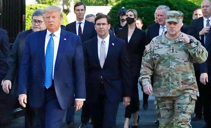 Trump reinvindica su buena relación con el Ejército pese a las diferencias