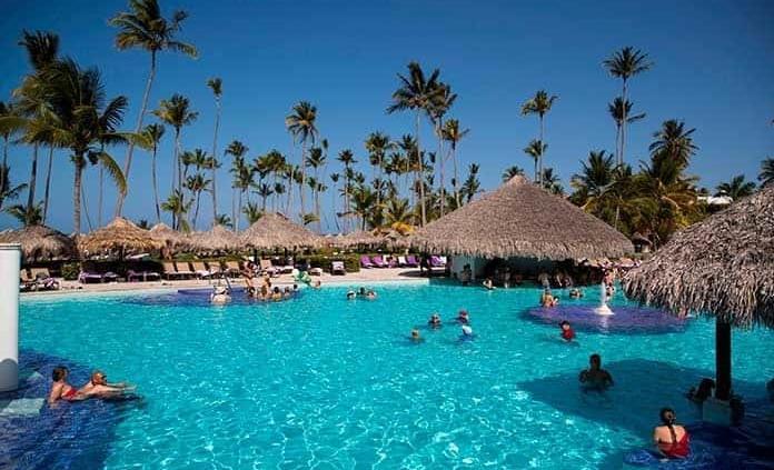 Cae llegada de turistas 78.5%