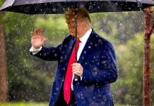 Trump a favor de prohibir técnica inocente de inmovilizar a detenidos por el cuello