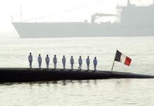 Se registra incendio en submarino nuclear francés