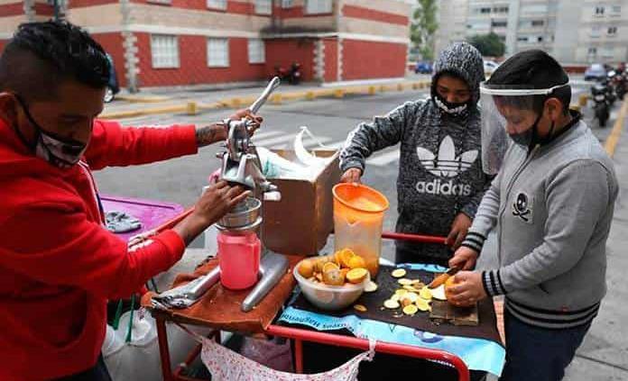 Tasa de desempleo en México baja a 4.2 % con más informalidad y subocupación