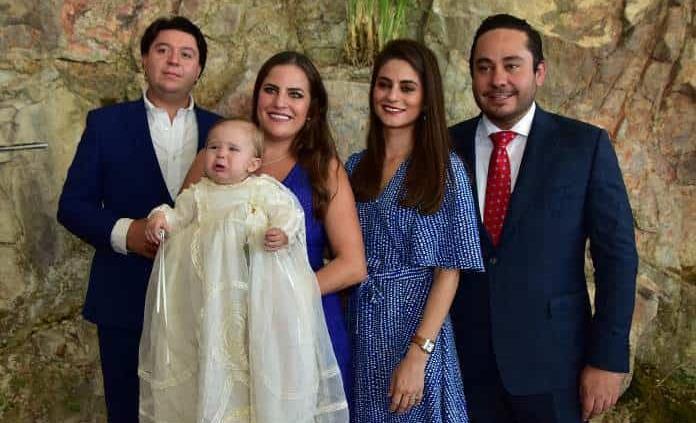 Daniel Zollino Lozano recibe el bautismo