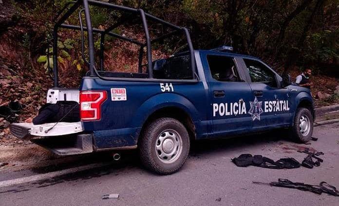 Sangre y muerte contra policías en otro estado priista: Guerrero