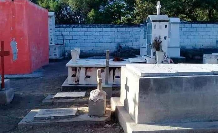 Cierran cementerios en Villa de la Paz