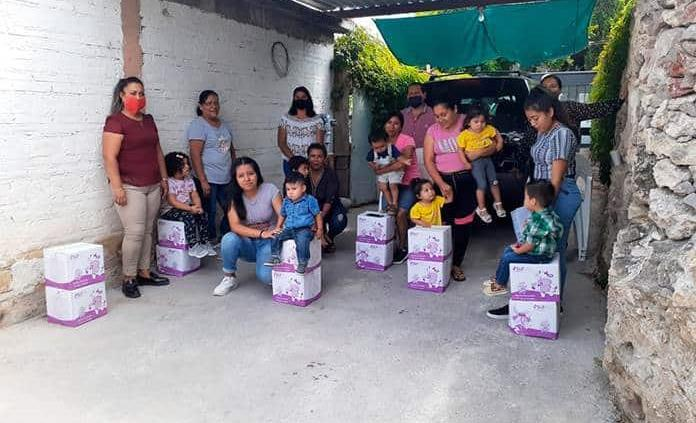 Reparten despensas a familias vulnerables