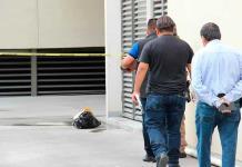 """Dejan mensaje al estilo """"narco"""" frente a plaza de Lomas"""
