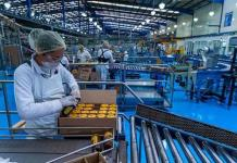 La producción industrial en México cae un 11.3 % anual en julio