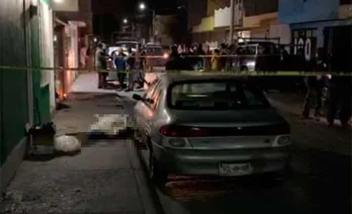 Mujer es asesinada a balazos en la Col. San Antonio