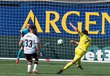 Villarreal derrota a Valencia y se acerca a zona Champions