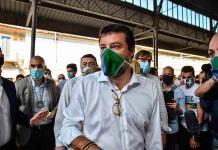 Caos por la visita de líder ultraderechista a barrio italiano aislado por brote del virus