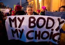 Corte Suprema de EEUU derriba una ley que restringía el aborto en Luisiana