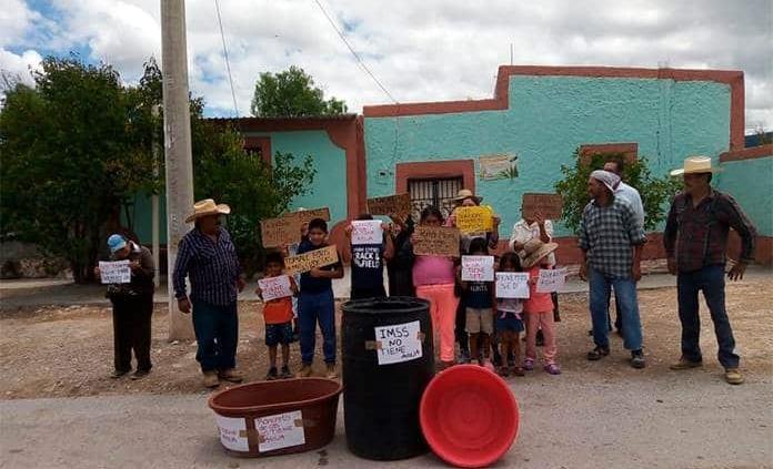 Agua reclaman en Ranchito de Coronados