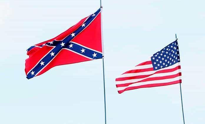 Descendientes de militares confederados buscan frenar traslado de monumento en EEUU