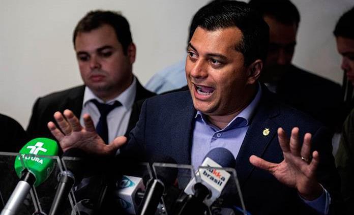 Investigan a gobernador brasileño por comprar respiradores a empresa de vinos