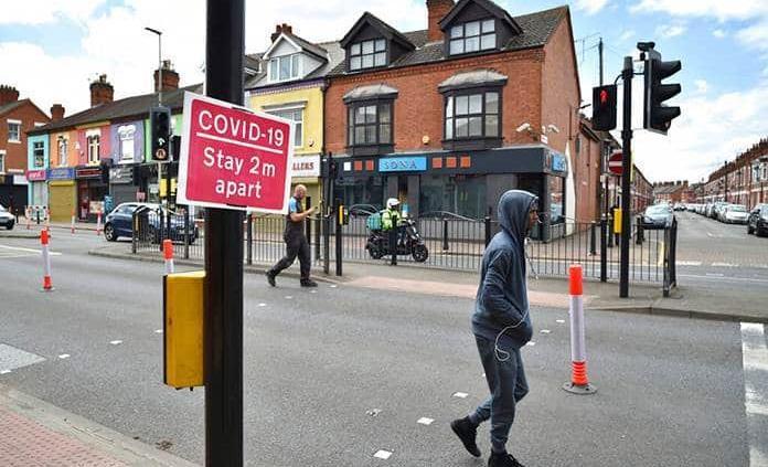 Reimponen cierre a ciudad británica de Leicester por brote
