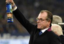 Presidente de Schalke renuncia tras mala racha y virus