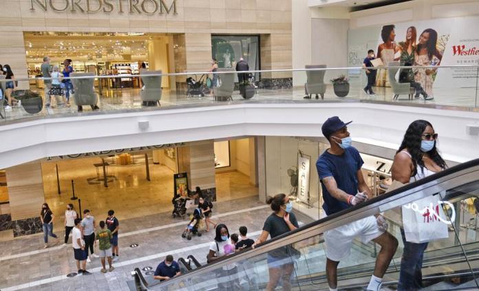 Sube confianza del consumidor en EEUU, aun con un futuro incierto