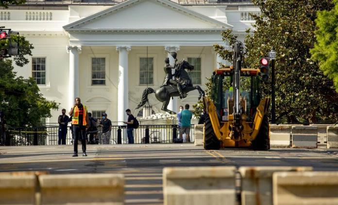 Trump exige castigo a vándalos de monumentos