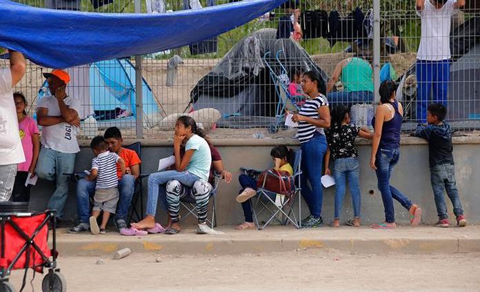 Reportan COVID-19 en campamento migrante en Matamoros