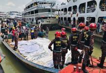Mortal naufragio en río de Dacca