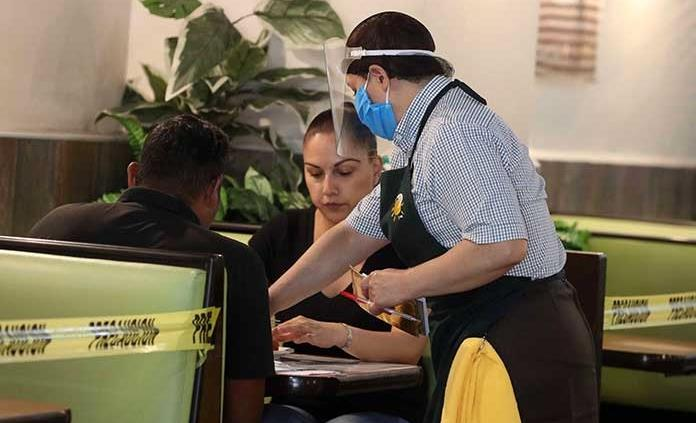 Restauranteros piden claridad al gobierno en lineamientos sanitarios