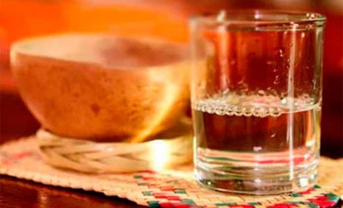 Coctelería con mezcal para celebrar el 15 de septiembre