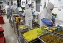 El catering aéreo se reinventa y lleva a casa la comida de los aviones