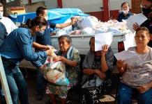 Personal de UBR apoya en entrega de despensas