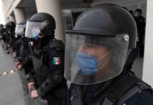 Aíslan a 42 policías de Juchitán por síntomas de Covid-19